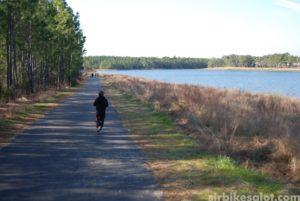 Walking around Smith Creek Lake (photo: SirBikesALot.com)